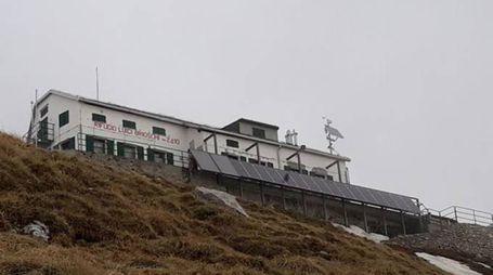 Il rifugio Brioschi in cima al Grignone