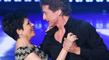 Cesare Bocci balla con Daniela Spada (LaPresse)