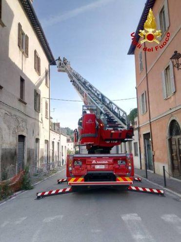 I pompieri sono intervenuti con tre mezzi