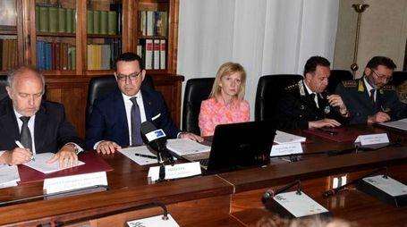 Il prefetto Michele Campanaro ieri mattina ha ospitato i vertici delle forze dell'ordine e delle istituzioni per fare il bilancio sulla sicurezza in città (foto Businesspress)