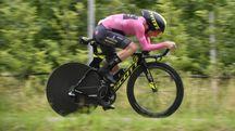 Giro d'Italia 2018, la maglia rosa Simon Yates (Lapresse)