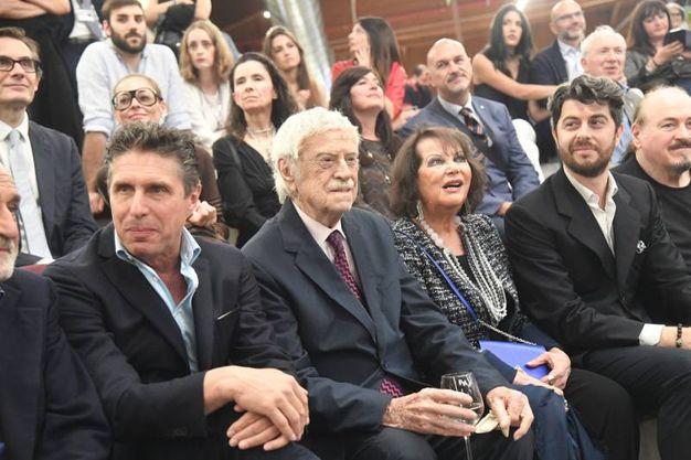 In primo piano Raul Cremona e al centro Claudia Cardinale (Foto Schicchi)