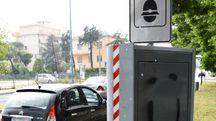 L'autovelox in via Settembrini a Rimini (foto Migliorini)