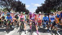 La partenza del Giro da Abbiategrasso (Lapresse)