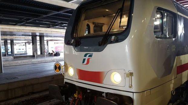 Un treno Intercity in una foto d'archivio (Dire)