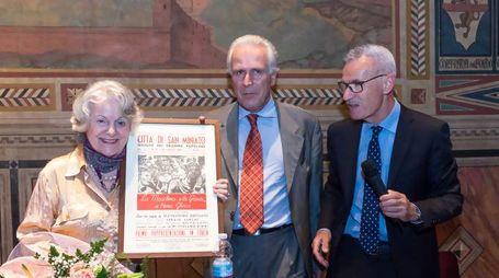 La scrittrice con Eugenio Giani e Marzio Gabbanini