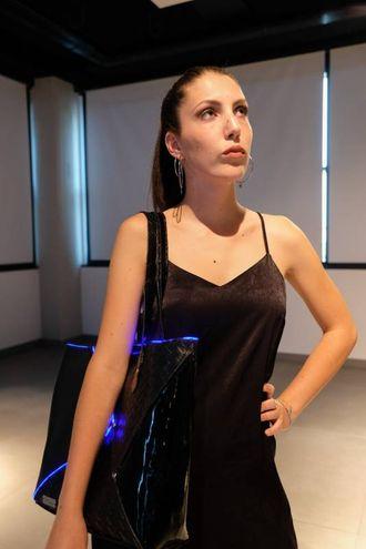 Le creazioni sono spesso state abbinate a componenti elettronici come Led Neopixel, Lily Pad, filo El Wire, filo conduttivo (foto Schicchi)