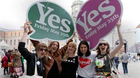 Irlanda, vince il sì nel referendum pro aborto (Lapresse)