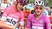 La maglia rosa Chris Froome e la maglia ciclamino Elia Viviani (Ansa)