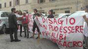 Sit-in della mamma di Pamela, Alessandra Verni insieme al fratello e ad altri amici e parenti per chiedere che tutti i responsabili dell'omicidio vengano puniti