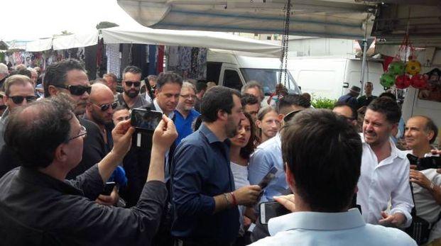 Matteo Salvini al mercato di Pisa