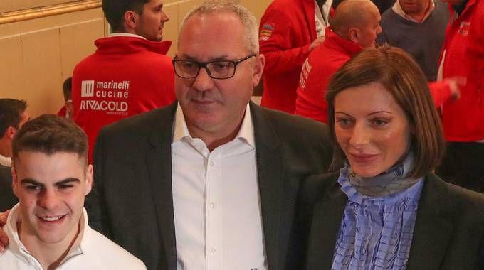Andrea Marinelli con la moglie Simona Biagini e Romano Fenati