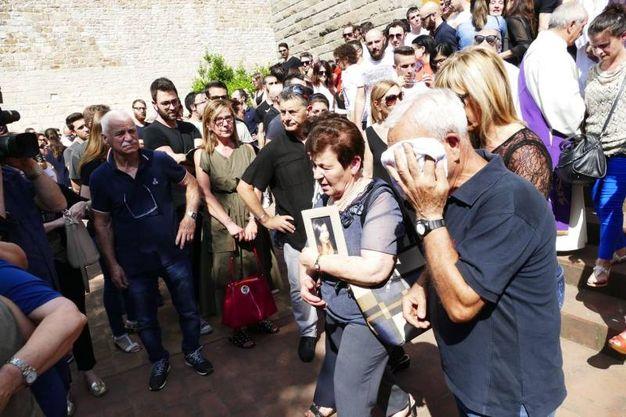 Prato, i funerali di Elisa Amato, uccisa dall'ex fidanzato Federico Zini  (Attalmi)