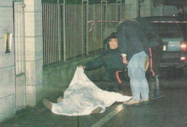L'omicidio avvenne davanti a casa del buttafuori, in via Della Foscherara
