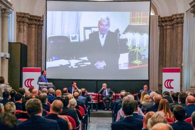 Il presidente della Camera di Commercio di Milano Monza Brianza Lodi Carlo Sangalli ha inviato un video messaggio ai relatori e ospiti della tavola rotonda