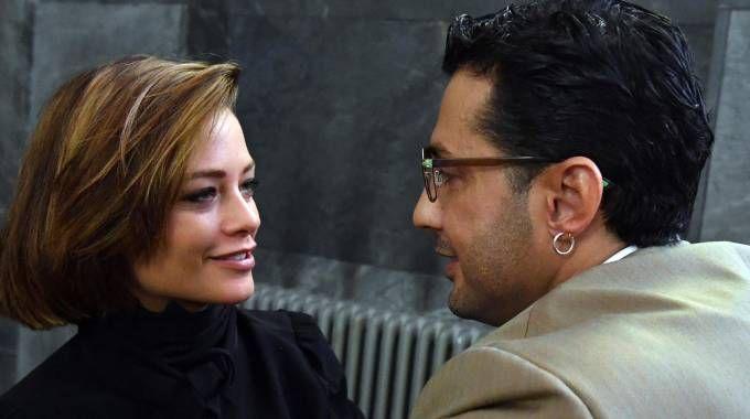 Fabrizio Corona e la fidanzata Silvia Provvedi al Palazzo di Giustizia (Ansa)