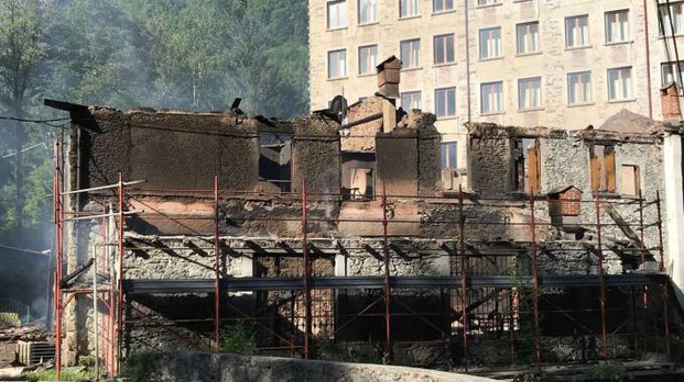 Val Masino, incendio distrugge Taverna: si indaga - Cronaca ...