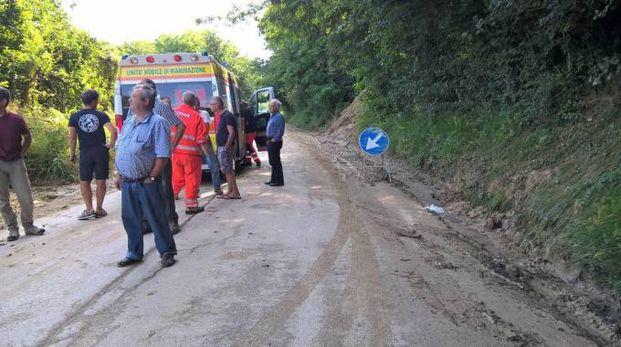 I soccorsi sul luogo dell'incidente (foto Zeppilli)
