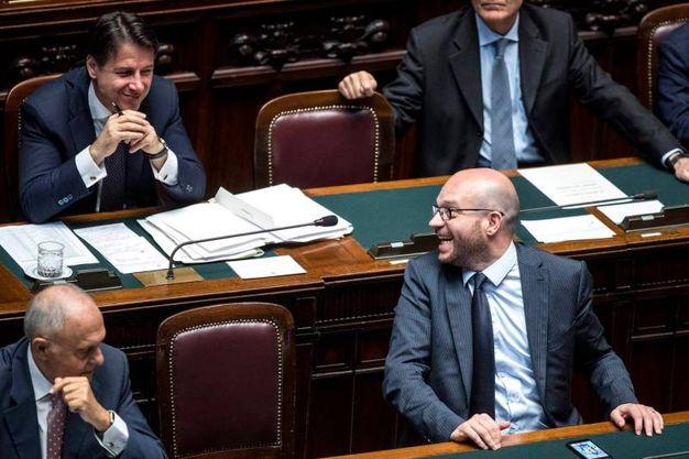 Giuseppe Conte e il ministro della Famiglia Lorenzo Fontana (LaPresse)