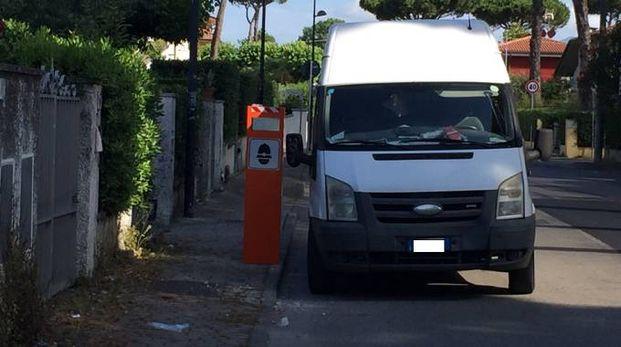 Una delle nuove colonnine: questa è in via Trieste