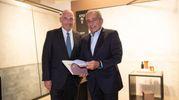 L'amministratore delegato e vicepresidente di Poligrafici Editoriale Andrea Riffeser Monti e il presidente di Florim Claudio Lucchese (FotoFiocchi)