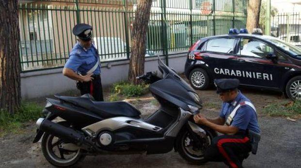 Lo scooter rubato ritrovato dai carabinieri