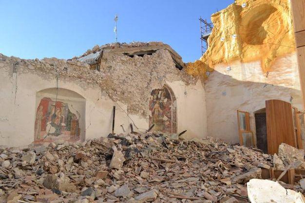Colpita al cuore l'ex chiesa di San Francesco a Norcia