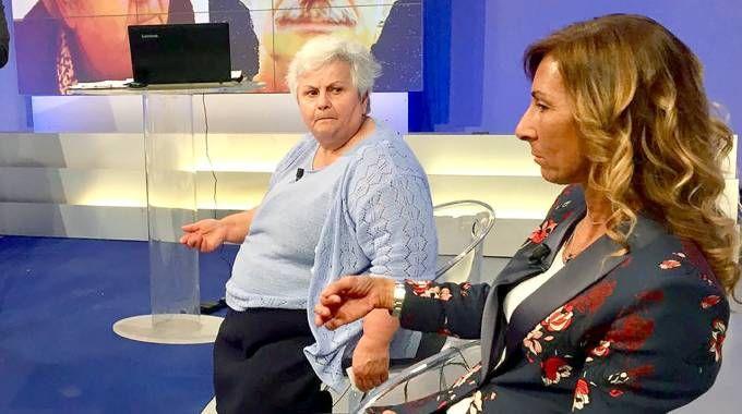 Alba De Rosa a TeleLombardia con l'avvocato Daniela D'Emilio