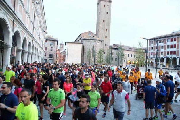 La '5.30 run', corsa informale 'convocata' dal sindaco Paolo Lucchi sull'onda della moda sportiva che si sta diffondendo in tutto il mondo