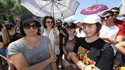 Alessandra Orsi con la figlia Asia, le prime arrivate alle 9 (Fotoprint)