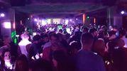 Folla all'ex colonia Novarese per il party (foto Migliorini)