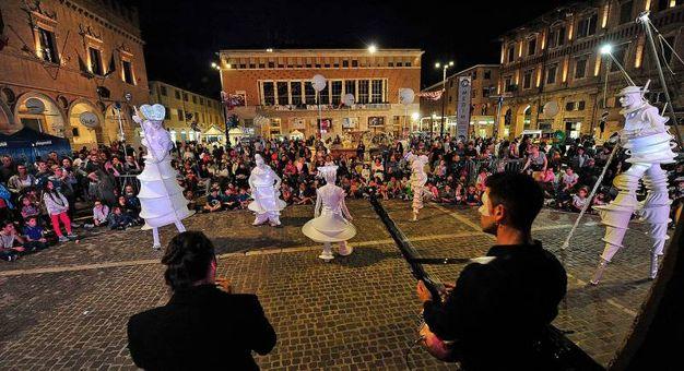 Spettacoli in piaza del Popolo (Fotoprint)