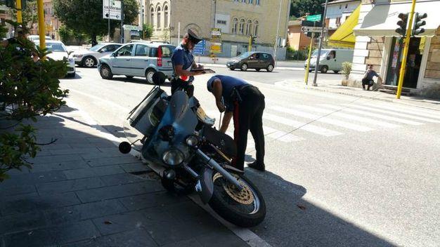 Carabinieri sul luogo dello scontro (foto Zeppilli)