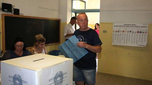 Votazioni a Imola (foto Isolapress)