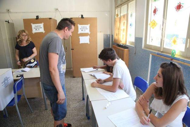 Si vota dalle 7 alle 23 (foto Ravaglia)