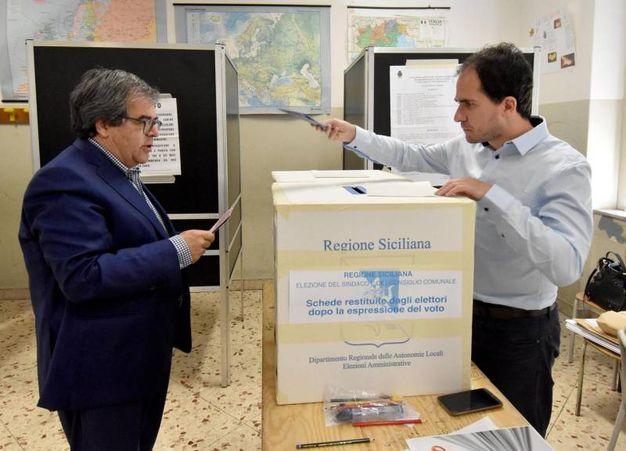 Enzo Bianco, sindaco uscente di Catania ricandidatosi col Pd (Ansa)