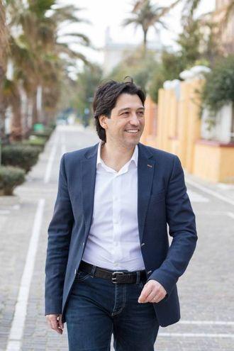 Enrico Piergallini sostenuto da 'Solidarietà e partecipazione' e 'Città in movimento' (foto Iezzi)