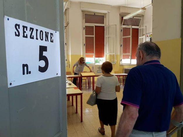 Tre candidati sindaco a Castelnovo Sotto (foto Lecci)