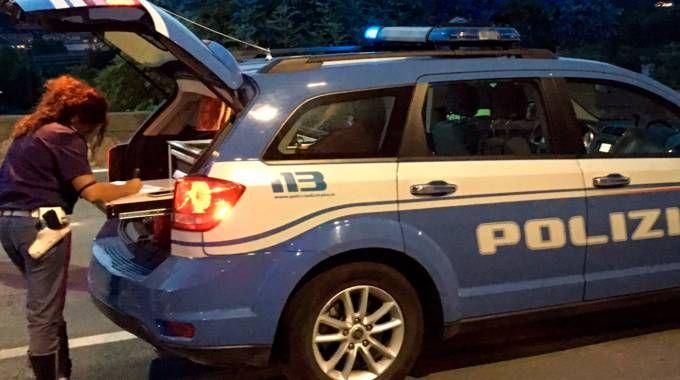 Polizia stradale in azione fra Vezzano e Luni (repertorio)