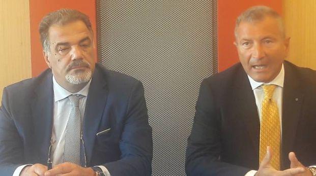 Il comandante Teodosio Longo, ceo di Aliblue e il direttore dell'aeroporto Umberto Solimeno