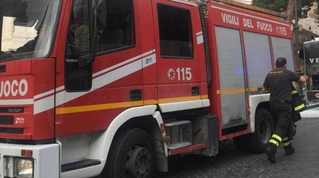 VIGILI DEL FUOCO I pompieri sono entrati nella casa forzando una finestra (foto d'archivio)