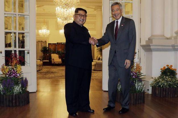 Kim Jong Un incontra Lee Hsien Loong a Singapore (Ansa Ap)