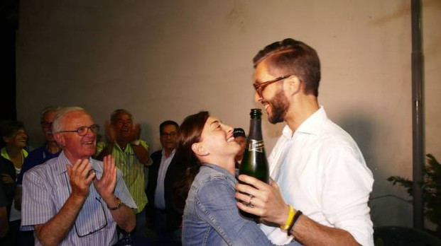 Francesco Puggelli festeggia la sua elezione a sindaco (foto Attalmi)