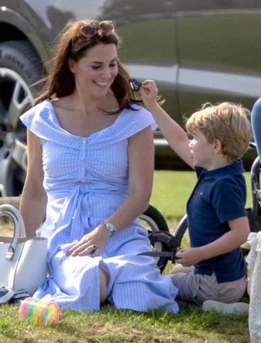 Kate Middleton con il principino George (LaPresse)