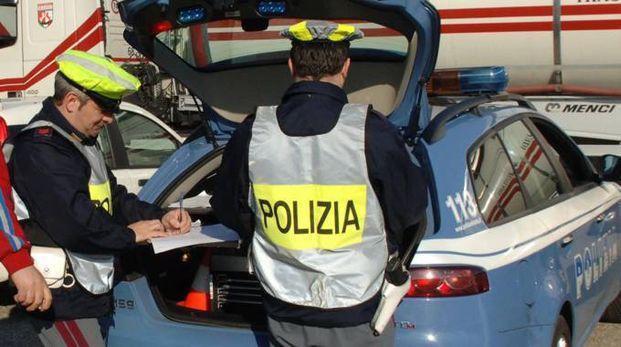 Polizia stradale in servizio (repertorio)