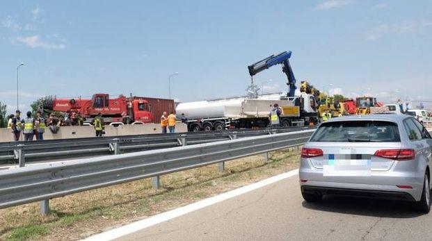 Incidente in autostrada a Bologna (FotoSchicchi)