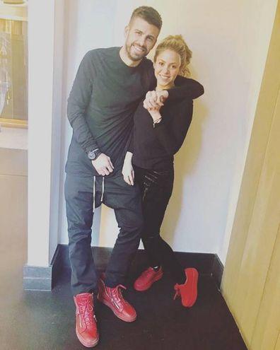 La popstar Shakira con il difensore della Spagna, Pique (Instagram)