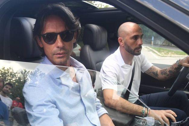 Marco Di Vaio accompagna Inzaghi fuori dal centro tecnico, dopo una visita durata più di 5 ore (FotoSchicchi)