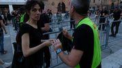 I controlli dei fans de Lo stato sociale (Foto Schicchi)