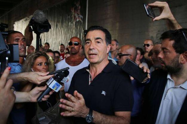 La manifestazione di via Canova: il padre di Niccolò Ciatti (Marco Mori / New Press Photo)